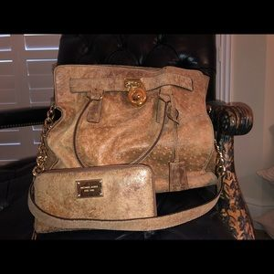 Michael Kors Ostrich & matching zippy wallet